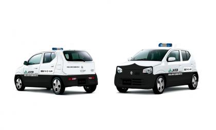 寄贈した青色回転灯付防犯パトロール車。児童生徒の登下校時等の地域巡回に活用されています